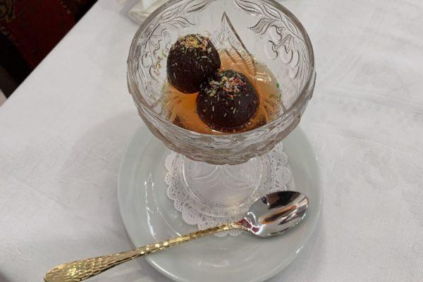 Gulab Jamun : délicieux dessert indien du Restaurant Jardin de Punjab Annecy