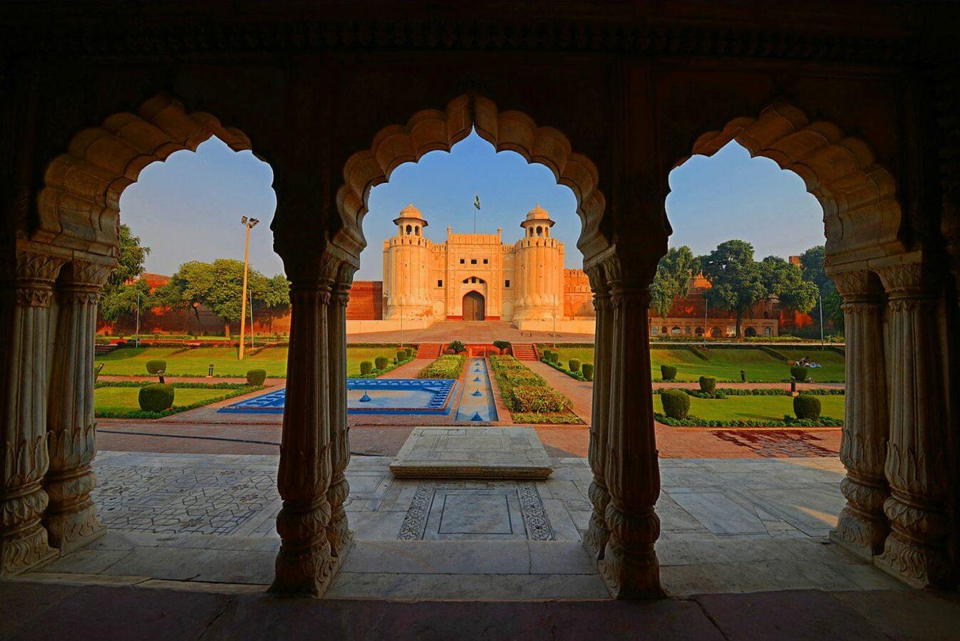 Jardin de Shalimar - thème intro du Restaurant Indien Le Jardin de Punjab Annecy