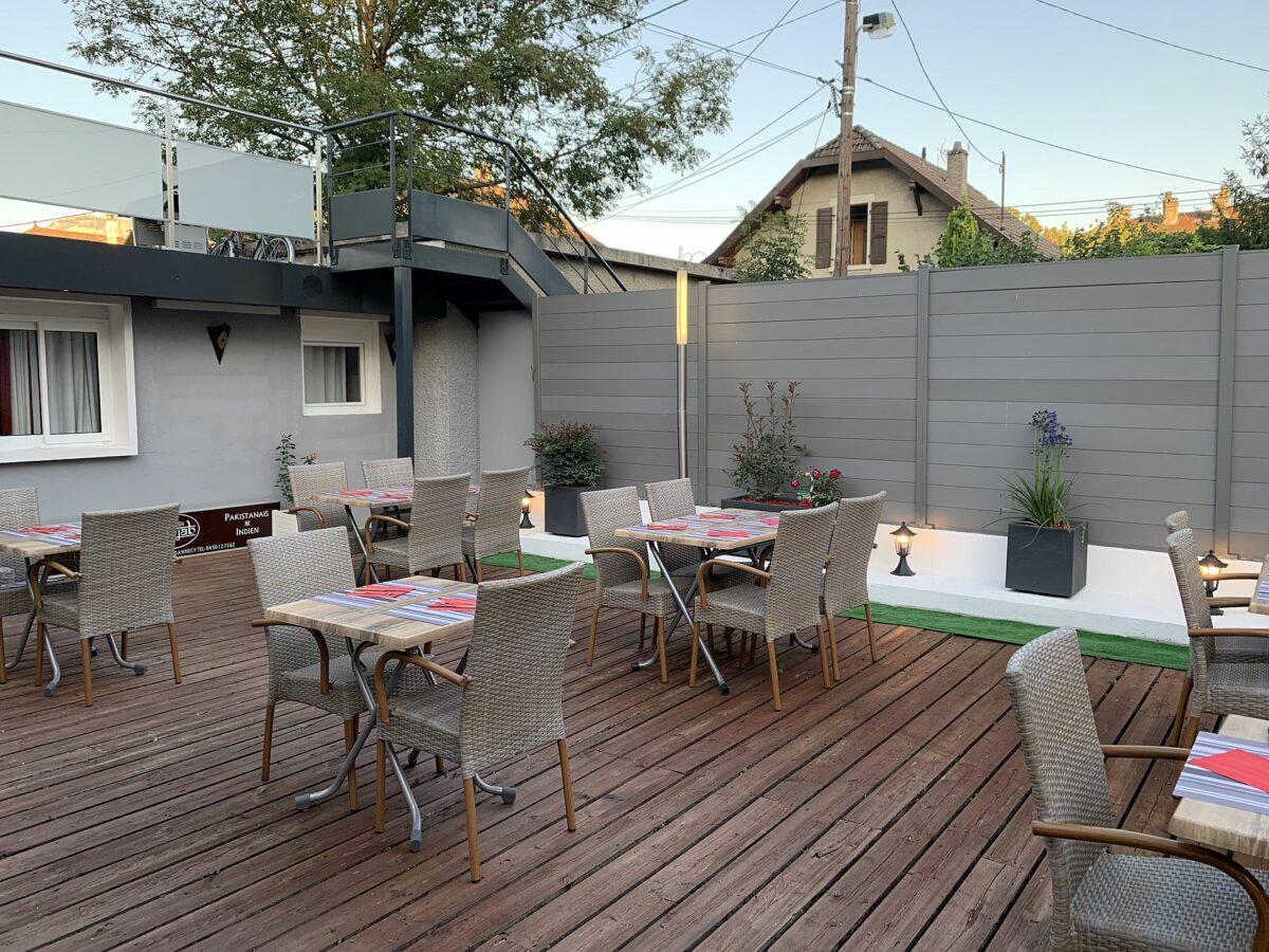 Terrasse restaurant indien Jardin de Punjab Annecy